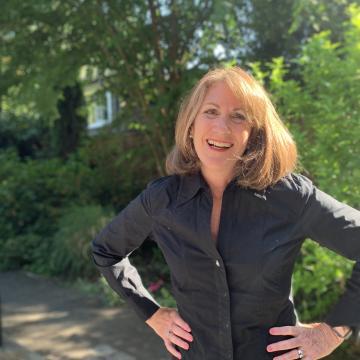 Photo of Donna Drynan